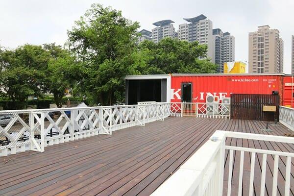 台中寵物餐廳 游泳池夏日大作戰 二樓毛孩交際區