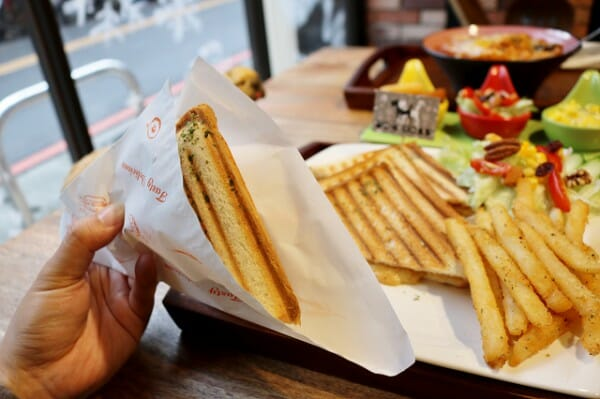 DogBoss 寵物餐廳帶著主子早午餐 熱壓吐司餡料